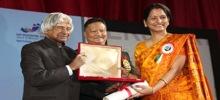 Smt. Smita Pandey, IAS, District Election Officer & District Magistrate, Uttar Dinajpur receiving the National Award for Best Electoral Practices from the Hon�ble former President of India, Dr. A.P.J. Abdul Kalam